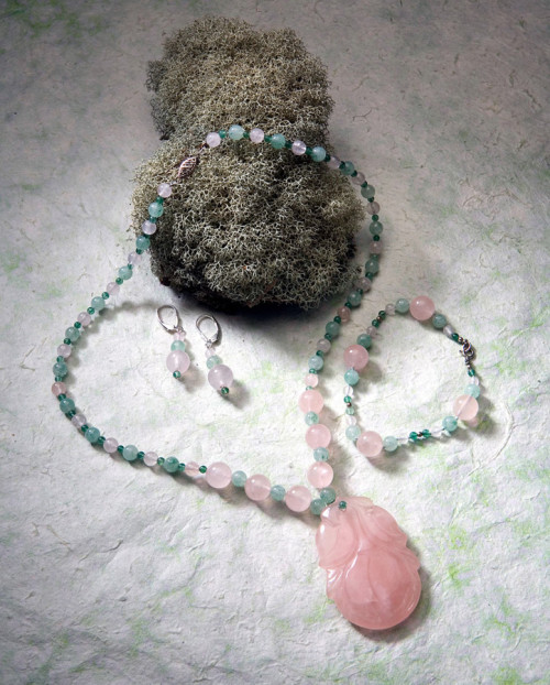 Rose Quartz Carved Peach and Aventurine